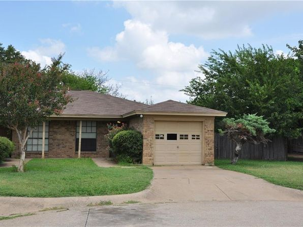 2 bed 1 bath Multi Family at 2616 Altamesa Blvd Fort Worth, TX, 76133 is for sale at 85k - 1 of 6