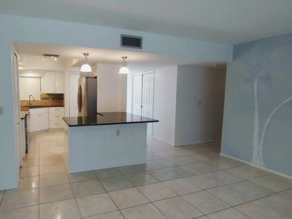 2 bed 2 bath Condo at 1202 CAPE CORAL PKWY W CAPE CORAL, FL, 33914 is for sale at 138k - 1 of 25
