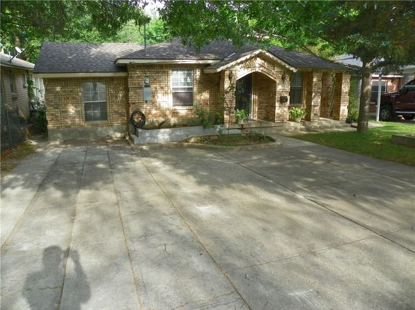 3 bed 2 bath Single Family at 514 Red Bud Ln Dallas, TX, 75211 is for sale at 149k - 1 of 21