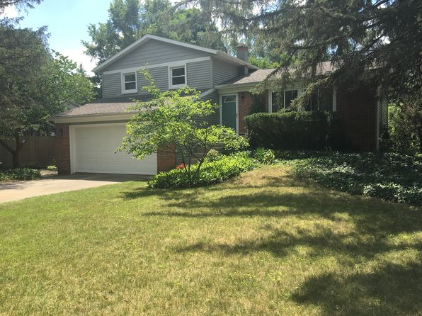 3 bed 2 bath Single Family at 2054 S Eventide Dr NE Grand Rapids, MI, 49505 is for sale at 210k - 1 of 23