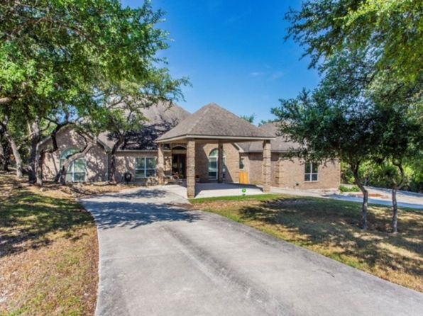 4 bed 4 bath Single Family at 24211 Old Path San Antonio, TX, 78260 is for sale at 460k - 1 of 26