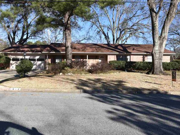 3 bed 2 bath Single Family at 1814 CLINTON ST LONGVIEW, TX, 75604 is for sale at 163k - 1 of 24