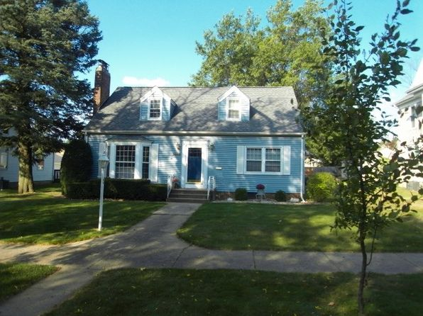 4 bed 2 bath Single Family at 1903 Clay St Cedar Falls, IA, 50613 is for sale at 170k - 1 of 18