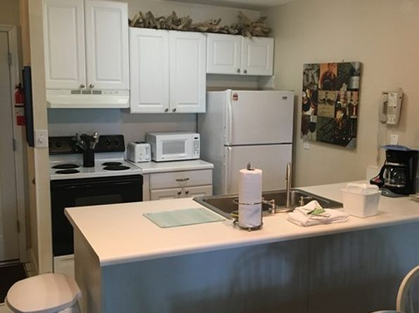 2 bed 1 bath Townhouse at 1175 N Beachview Dr Jekyll Island, GA, 31527 is for sale at 160k - 1 of 2