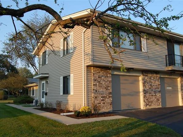 2 bed 1 bath Townhouse at 1030 Quanset Ct Schaumburg, IL, 60194 is for sale at 155k - google static map
