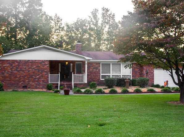 3 bed 3 bath Single Family at 902 Walking Stick Trl Clinton, NC, 28328 is for sale at 200k - 1 of 26