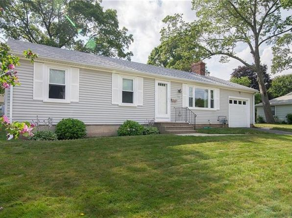 3 bed 1 bath Single Family at 10 Elson Dr Riverside, RI, 02915 is for sale at 260k - 1 of 24