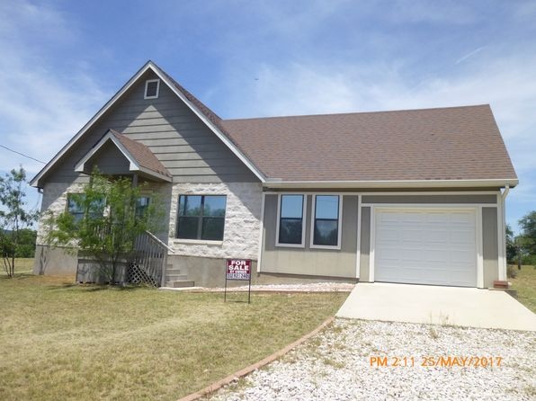 2 bed 2 bath Single Family at 400 McCartney Dr Kingsland, TX, 78639 is for sale at 170k - 1 of 16