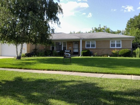 3 bed 3 bath Single Family at 584 King Ln Des Plaines, IL, 60016 is for sale at 323k - 1 of 23