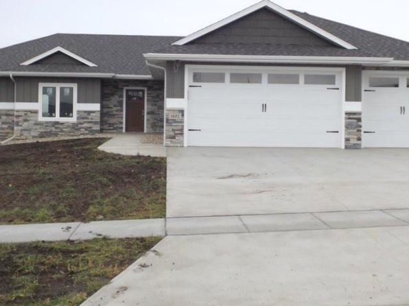 3 bed 2 bath Single Family at 1632 W Legacy Dr Brandon, SD, 57005 is for sale at 370k - 1 of 31
