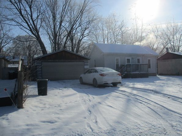 3 bed 1 bath Single Family at 106 Ennis Ln Urbana, IL, 61802 is for sale at 38k - 1 of 31