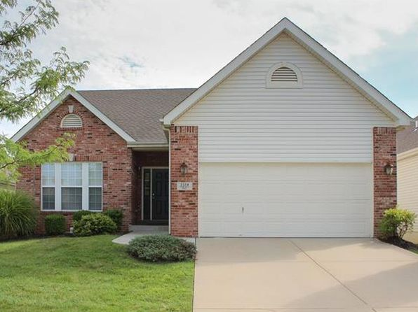 3 bed 3 bath Single Family at 2324 Fourlakes Dr Belleville, IL, 62220 is for sale at 236k - 1 of 32