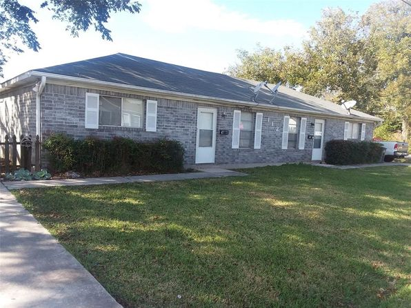 2 bed 2 bath Single Family at 112 N 8TH ST HIGHLANDS, TX, 77562 is for sale at 167k - 1 of 12