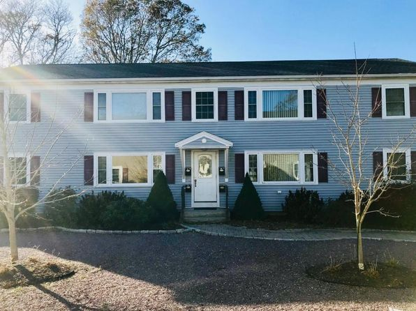 2 bed 1 bath Condo at 9 Franklin Ave Bourne, MA, 02532 is for sale at 190k - 1 of 12