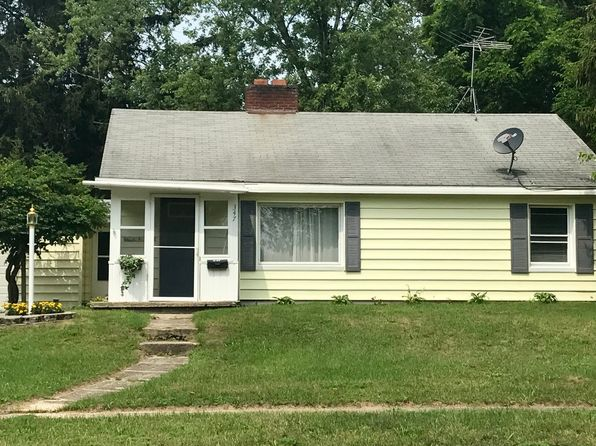 2 bed 1 bath Single Family at 347 E Pine St Fremont, MI, 49412 is for sale at 89k - 1 of 27