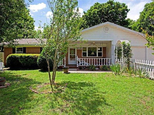 2 bed 1 bath Single Family at 306 SE B ST BENTONVILLE, AR, 72712 is for sale at 328k - 1 of 16