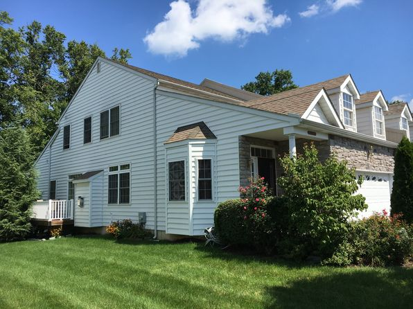 2 bed 3 bath Single Family at 906 Quarter Mile Post Garnet Valley, PA, 19060 is for sale at 320k - 1 of 44