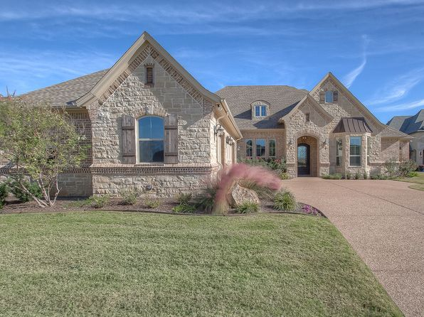 3 bed 4 bath Single Family at 1018 Sunset Bay Ct Granbury, TX, 76048 is for sale at 635k - 1 of 34