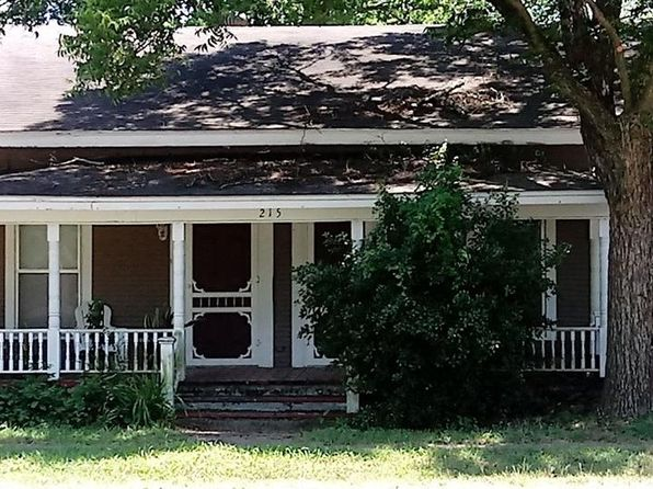 3 bed 1 bath Single Family at 215 E Fannin St Leonard, TX, 75452 is for sale at 85k - 1 of 32