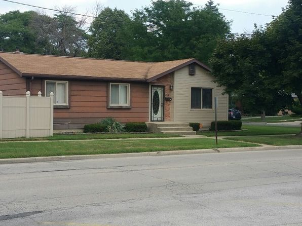 3 bed 2 bath Single Family at 2544 S 15th Ave Broadview, IL, 60155 is for sale at 160k - 1 of 5