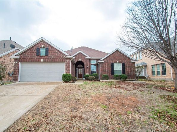 3 bed 2 bath Single Family at 811 LUXOR CT GRAND PRAIRIE, TX, 75052 is for sale at 249k - 1 of 23