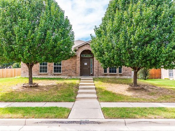 5 bed 2 bath Single Family at 601 Tracy Dr Azle, TX, 76020 is for sale at 198k - 1 of 30