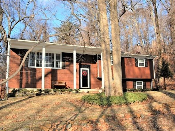4 bed 3 bath Single Family at 55 Dogwood Ln Watchung, NJ, 07069 is for sale at 539k - 1 of 24