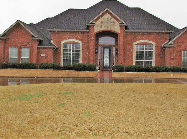 3 bed 3 bath Single Family at 518 LLANO LN SUNNYVALE, TX, 75182 is for sale at 428k - 1 of 28
