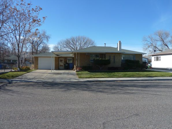 3 bed 2 bath Single Family at 221 Warren Ave Pocatello, ID, 83201 is for sale at 138k - 1 of 4
