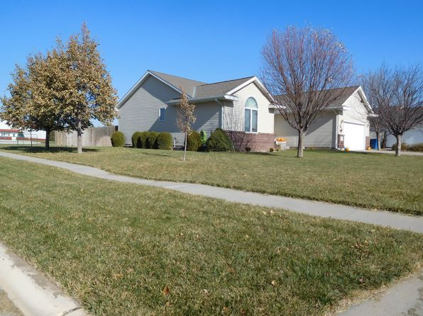 4 bed 3 bath Single Family at 1615 W 16th St Kearney, NE, 68845 is for sale at 238k - 1 of 11