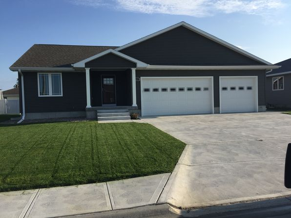 5 bed 3 bath Single Family at 822 Sun Valley Pl Grand Island, NE, 68801 is for sale at 285k - 1 of 33