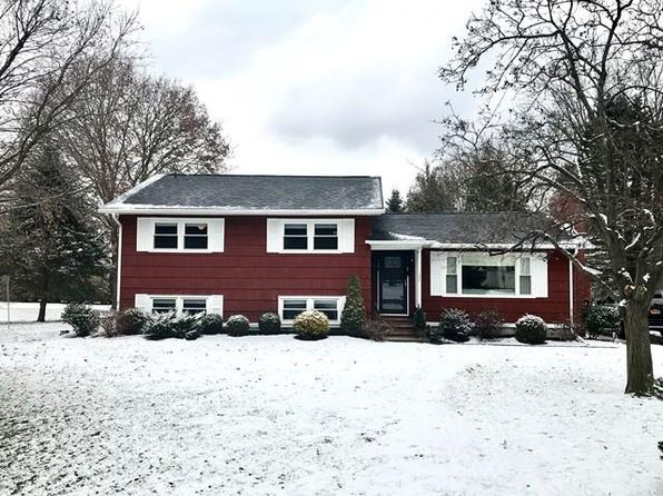 4 bed 2 bath Single Family at 137 Burkeshire Dr Horseheads, NY, 14845 is for sale at 214k - 1 of 14