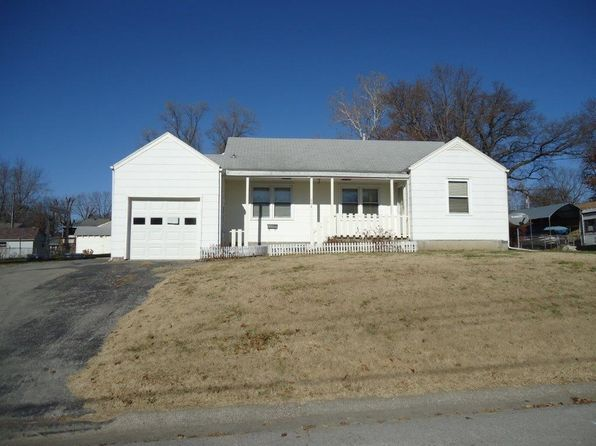 3 bed 2 bath Single Family at 996 Hickory St Excelsior Springs, MO, 64024 is for sale at 78k - 1 of 18