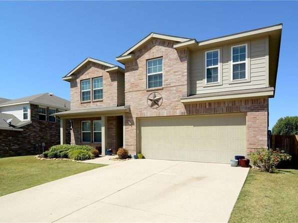 4 bed 3 bath Single Family at 1225 Eagles Nest Trl Krum, TX, 76249 is for sale at 218k - 1 of 17