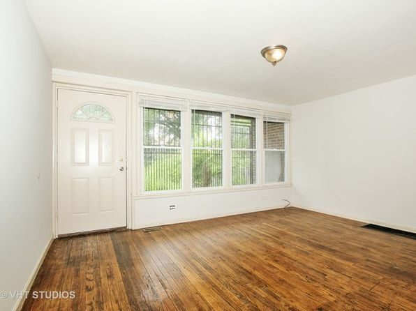 2 bed 1 bath Townhouse at 64 E 37th St Chicago, IL, 60653 is for sale at 68k - 1 of 5