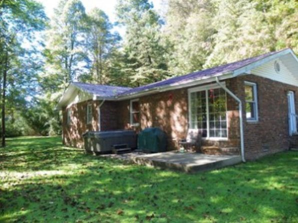 3 bed 2 bath Single Family at 1034 Road Frk Pikeville, KY, 41501 is for sale at 145k - 1 of 12
