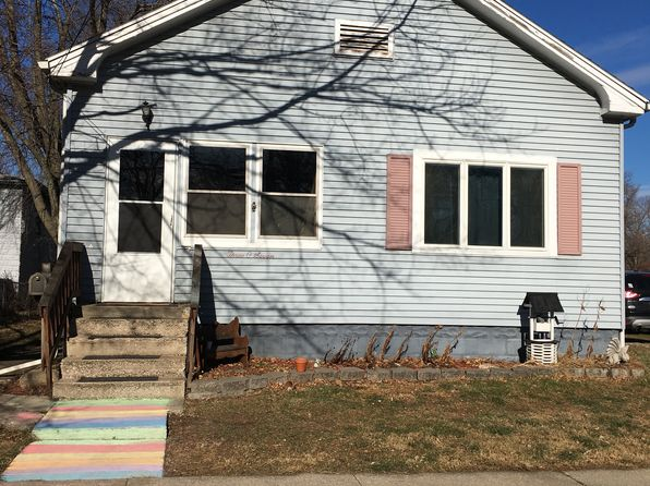 3 bed 2 bath Single Family at 307 E Livingston St Pontiac, IL, 61764 is for sale at 78k - 1 of 13