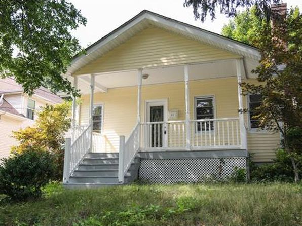 4 bed 2 bath Single Family at 407 E High St Bound Brook, NJ, 08805 is for sale at 260k - 1 of 25