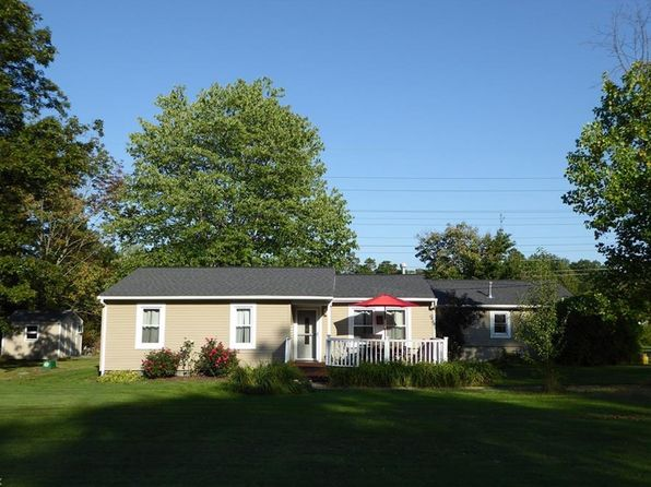 3 bed 1 bath Single Family at 12087 Bardwell Dr Chesterland, OH, 44026 is for sale at 150k - 1 of 27