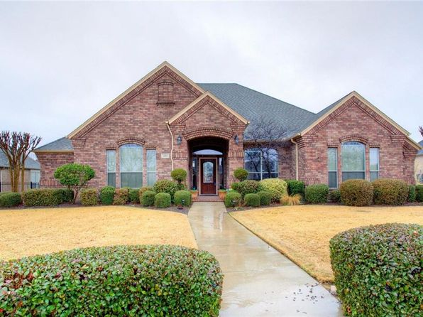 4 bed 3 bath Single Family at 1102 Columbia Dr Mansfield, TX, 76063 is for sale at 375k - 1 of 28
