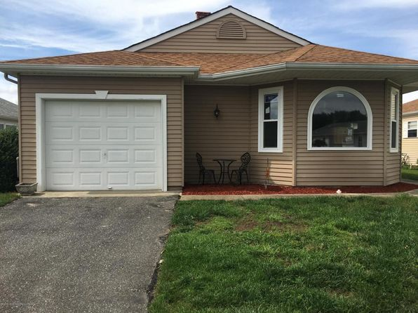 2 bed 2 bath Single Family at 40 Prince Charles Dr Toms River, NJ, 08757 is for sale at 275k - 1 of 18