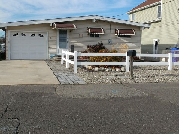 3 bed 1 bath Single Family at 62 E Lagoona Dr Brick, NJ, 08723 is for sale at 265k - 1 of 14