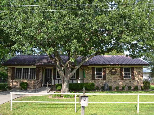 3 bed 1 bath Single Family at 1030 Caron St Robinson, TX, 76706 is for sale at 199k - 1 of 18