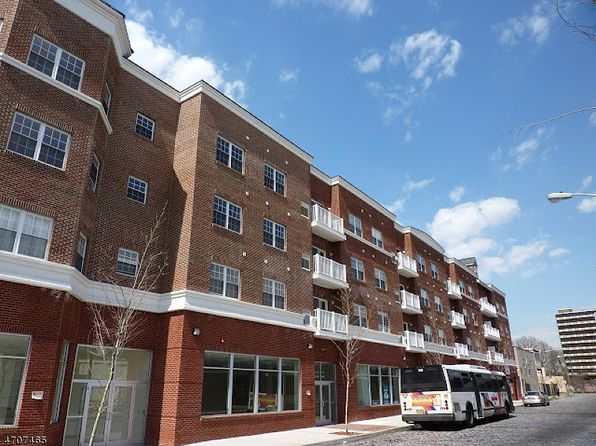 2 bed 2 bath Townhouse at 902 N 5th St Newark, NJ, 07107 is for sale at 199k - 1 of 18