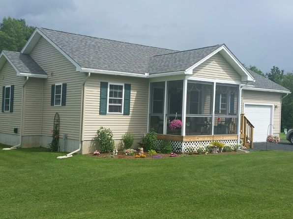 2 bed 2 bath Single Family at 1 Jeannines Ln Grand Isle, VT, 05458 is for sale at 230k - 1 of 8
