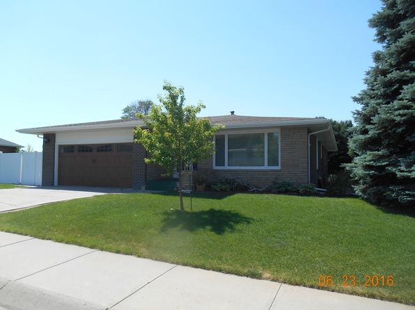 3 bed 3 bath Single Family at 2917 Primrose Dr Scottsbluff, NE, 69361 is for sale at 270k - 1 of 50