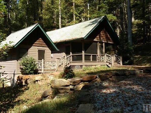 1 bed 1.5 bath Single Family at 26 Runken Ln Scaly Mountain, NC, 28775 is for sale at 125k - 1 of 27