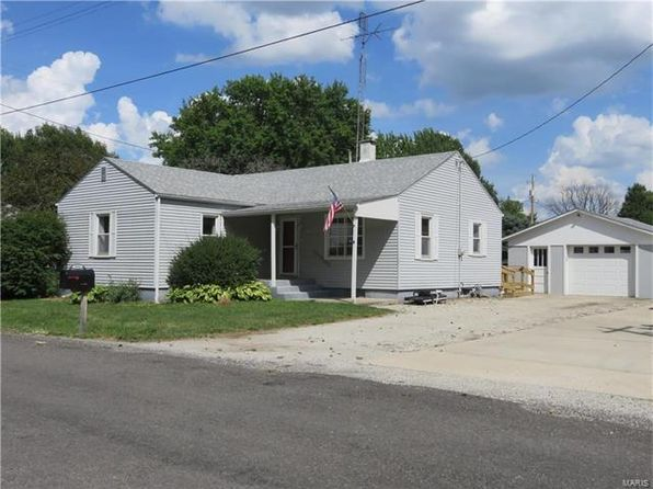 3 bed 1 bath Single Family at 412 N Prairie St Raymond, IL, 62560 is for sale at 65k - 1 of 21