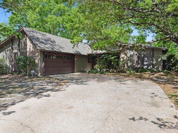 3 bed 2 bath Single Family at 1408 Diller Rd Ocean Springs, MS, 39564 is for sale at 150k - 1 of 26