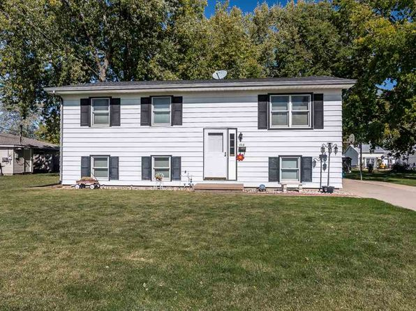 3 bed 2 bath Single Family at 1318 5th St Camanche, IA, 52730 is for sale at 150k - 1 of 14
